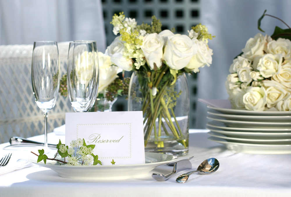 Table Linen And Flowers Can Make A Table Look Stunning